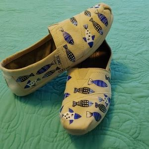 Handpainted by Haitian Women Toms W7